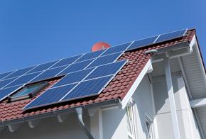 Solarmodule auf dem Dach