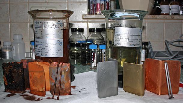 Schäden durch Heizungswasser: Korrosion an Metallen nach zwei Jahren in ungeeignetem und geeignetem Wasser