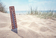 Thermometer am Strand
