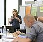 """Frauke Rogalla in einem Workshop bei der Fachtagung """"Wirksam sanieren für den Klimaschutz""""."""