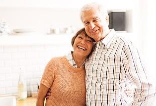 """""""Sanieren 60plus"""" greift Themen für ältere Eigenheimbesitzer auf, zum Beispiel Komfort, Einbruchschutz und altersgerechtes Umbauen."""