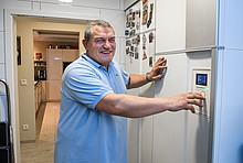 """""""Mein Beruf ist mein Hobby"""", sagt Christoph Schroeter. Der Elektroinstallateur-Meister aus Berlin installiert nicht nur bei seinen Kunden Heizungs- und Lüftungsanlagen. Auch in seinem eigenen Haus sorgt seit fünf Jahren ein Kombigerät für frische Luft."""