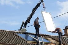 Praxistest Solarthermie: Indach-Montage von Kollektoren Schritt 5 – Kollektoren richtig platzieren.