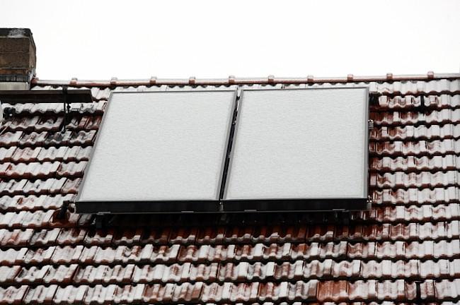 Flachkollektoren auf dem Dach von Familie Hein