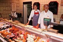 Fleischermeister Stehr in seiner Fleischerei in Bremerhaven