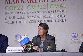 Barbara Hendricks stellt den Klimaschutzplan 2050 auf der COP22 vor