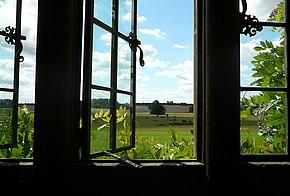 Fenster offen lüften Himmel Landschaft