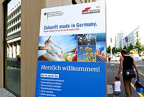 Plakat vom Tag der offenen Tuer im Bundesumweltministerium 2012