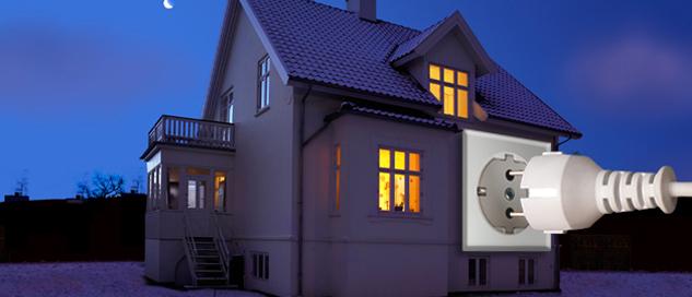 Haus im Dunkeln mit Steckdose