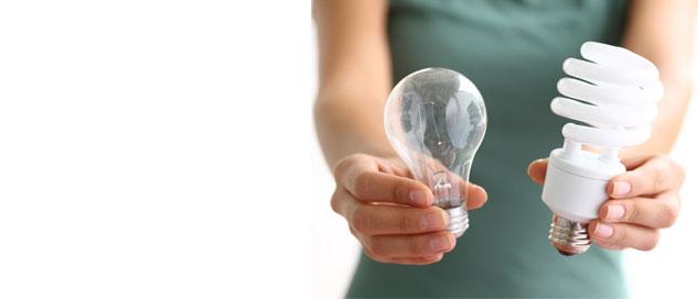 Glühbirne und Energiesparlampe