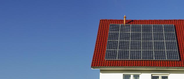 Photovoltaikanlagen sind grade für Hausbesitzer eine oftmals lohnende Investition